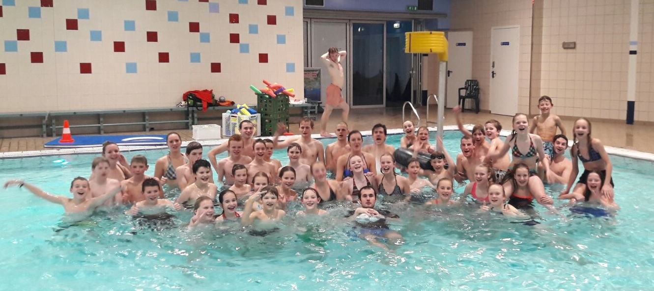 Groepsfoto waterkorfbal